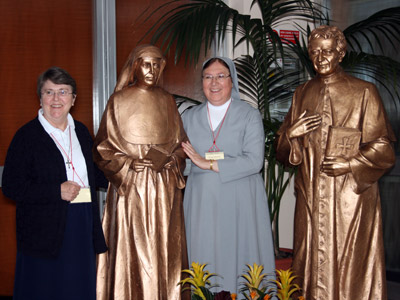 Rome. Sr. Réjeanne Asselin, delegate, and Sr. Alphonsine Roy, superior of the pre-province of Canada (CND).