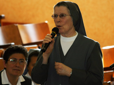 "Presentation of publications on the Preventive System: ""The Preventive System and Difficult Situations,"" and ""The Art of Educating in the Style of the Preventive System."" Intervention by Sr. Ciri Hernández."