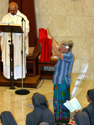 Rome. The Sisters of CIMAC animate the Mass. During the penitential rite some Sisters represent the different continents.