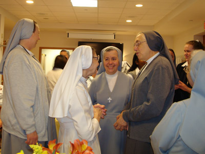 "New Jersey. Visit of M. Yvonne Reungoat to the province ""St. Philip the Apostle"" (SUA).  Enjoying a moment with the Sisters."