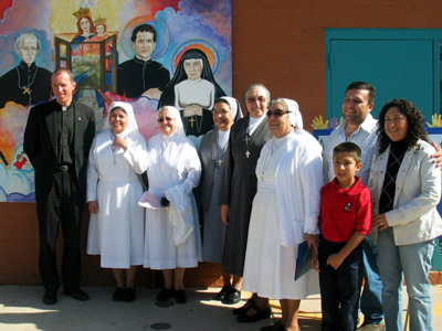 "Arizona. Visit of M. Yvonne Reungoat to the province ""Mary Immaculate"" (SUO)."