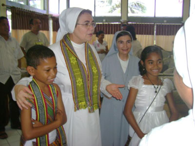 "Dili. Animation visit of Sr. Maria Américo Rolim to the province ""S. Maria D. Mazzarello"" (TIN)."