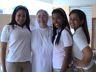 Santo Domingo. Students of Mary Immaculate College.