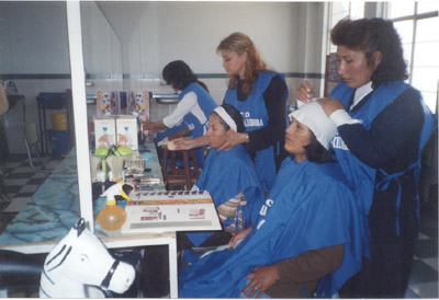 Hairdressing class and  beautician's course- Province PER.