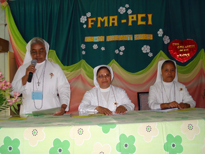 "Hyderabad (Andhra Pradesh). Canonical Visit of Sr. Lucy Rose Ozhukayil to the province of ""Sacro Cuore of Gesù"" (INK). Participation in the PCI encounter."