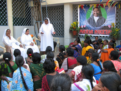 "Chandur (Andhra Pradesh). Canonical Visit of Sr. Lucy Rose Ozhukayil to the province of Sacred Heart of Jesus"" (INK). With the Sisters and members of the group ""In Solidarity with Italy."""