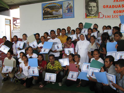 "Dili. Canonical visit of Sr. Lucy Rose – East Timor and Indonesia (TIN). ""Graduation Day"" – computer course."