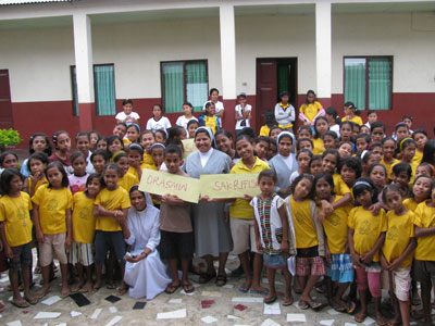 Venilale.  Canonical visit of Sr. Lucy Rose – East Timor and Indonesia (TIN). With the group, Children Missionary.