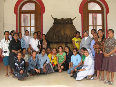 Venilale.  Canonical visit of Sr. Lucy Rose – East Timor and Indonesia (TIN). Visit to the vocational school.