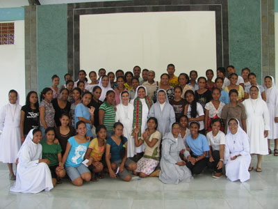 Dili - Comoro. Canonical visit of Sr. Lucy Rose – East Timor and Indonesia (TIN). Meeting with the Salesian Family.