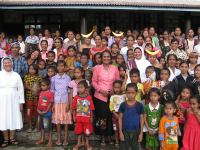 Pala, Indonesia. Canonical visit of Sr. Lucy Rose – East Timor and Indonesia (TIN). Visit to Weepewa (a Catholic community).