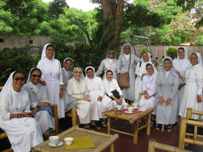 Dili - Comoro. Canonical visit of Sr. Lucy Rose – East Timor and Indonesia (TIN). Outing with the animators.