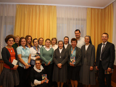 Warsaw. Canonical visit of Sr. Carla Castellino to the Polish Province of Our Lady of Jasna Gòra (PLJ). With parents and teachers.