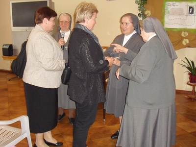 Pogrzebień. Canonical visit of Sr. Carla Castellino to the Polish Province of Our Lady of Jasna Gòra (PLJ). With the families of the Sisters from Pogrzebień.