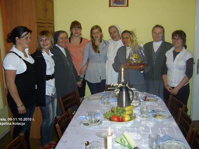 Wisła. Canonical visit of Sr. Carla Castellino to the Polish Province of Our Lady of Jasna Gòra (PLJ). With the resident students and community.