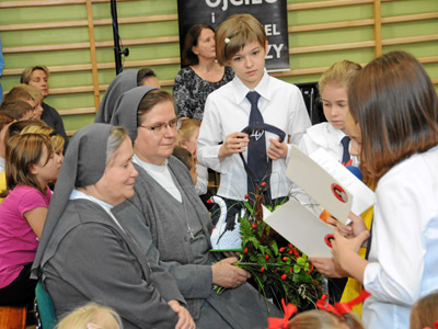 Cracow. Canonical visit of Sr. Carla Castellino to the Polish Province of Our Lady of Jasna Gòra (PLJ). Meeting the students.