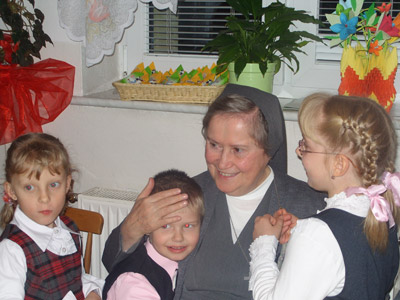 Lódz S.G.Bosco. Canonical visit to the Polish Province of Our Lady of Jasna Gòra (PLJ). With the children of the family home.
