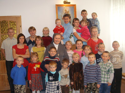Lódz S.G.Bosco. Canonical visit to the Polish Province of Our Lady of Jasna Gòra (PLJ). Children in the family home.