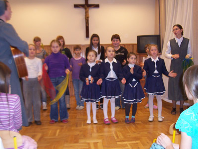 Garbów S.Giuseppe. Canonical visit to the Polish Province of Our Lady of Jasna Gòra (PLJ). Children's choir.