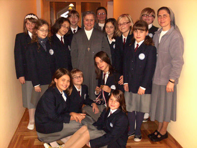 Rumia Sacra Famiglia. Canonical visit to the Polish Province of Our Lady of Jasna Gòra (PLJ). With a group in the elemenatary school.