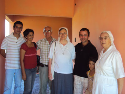 Carmelo Peralta. Visit of Sr. Marija in Paraguay. With local authorities.