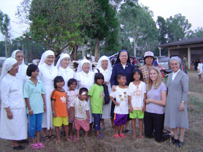 Sr. Anna Grassi FMA in collaboration with other religious and VIDES volunteers
