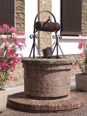Forum contest i pozzi for Pozzo da giardino decorativo